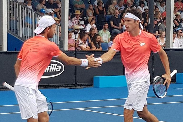 Leo Mayer alcanzó las semifinales de dobles de Australia por primera vez