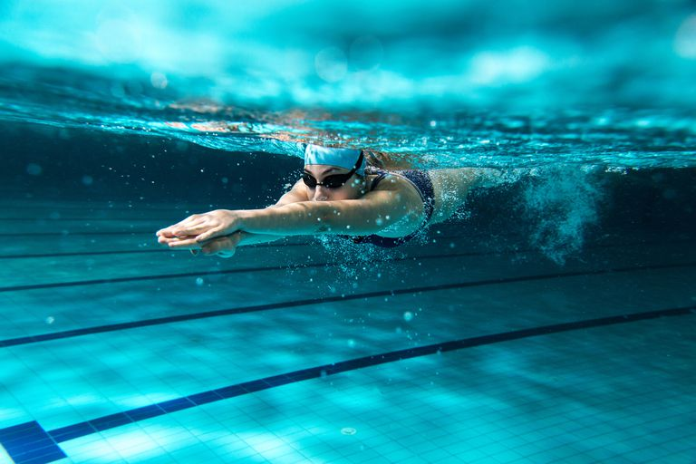 Es una de las actividades aeróbicas más completas y universales