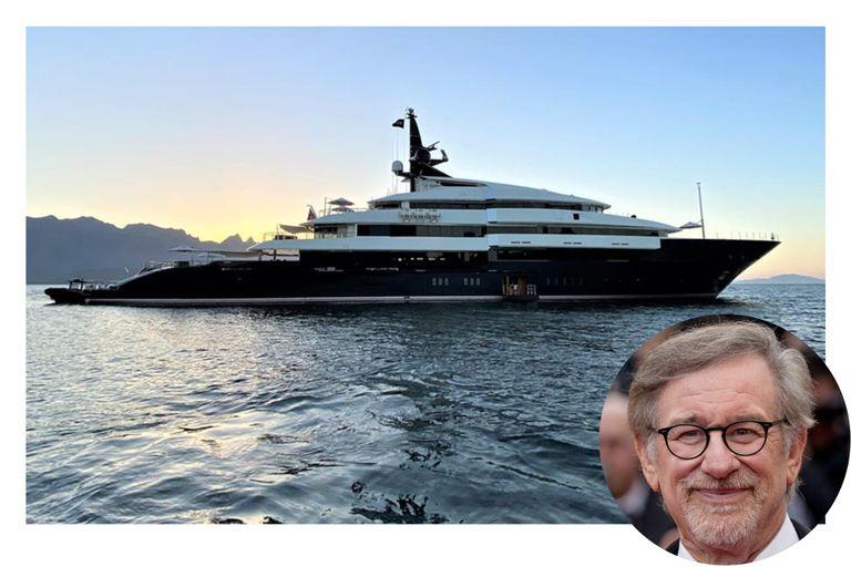 Por dentro: cómo es el superyate que Steven Spielberg vende por US$160 millones