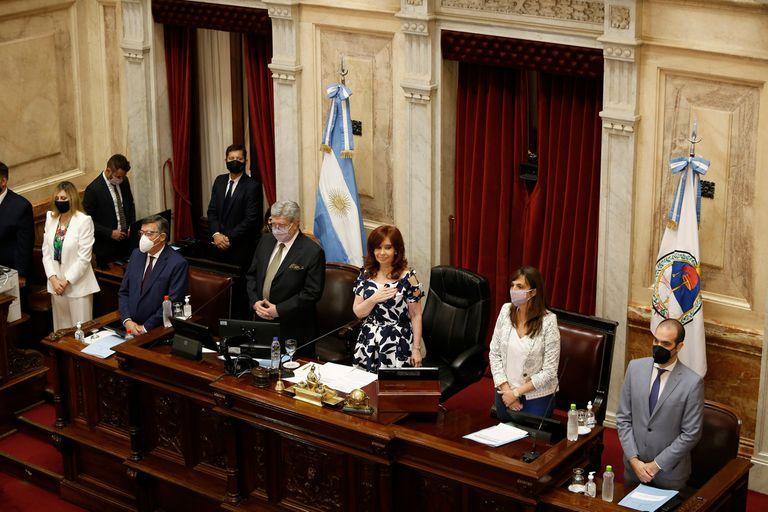 La interrupción voluntaria del embarazo (IVE) cuenta con 36 votos a favor, mientras que el rechazo asciende a 35 voluntades en el Senado; Cristina Kirchner podría tener que desempatar la votación