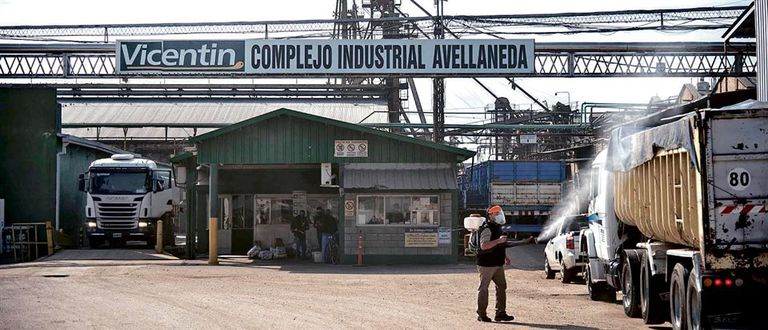 El ingreso de la planta de Vicentin, en Avellaneda, Santa Fe