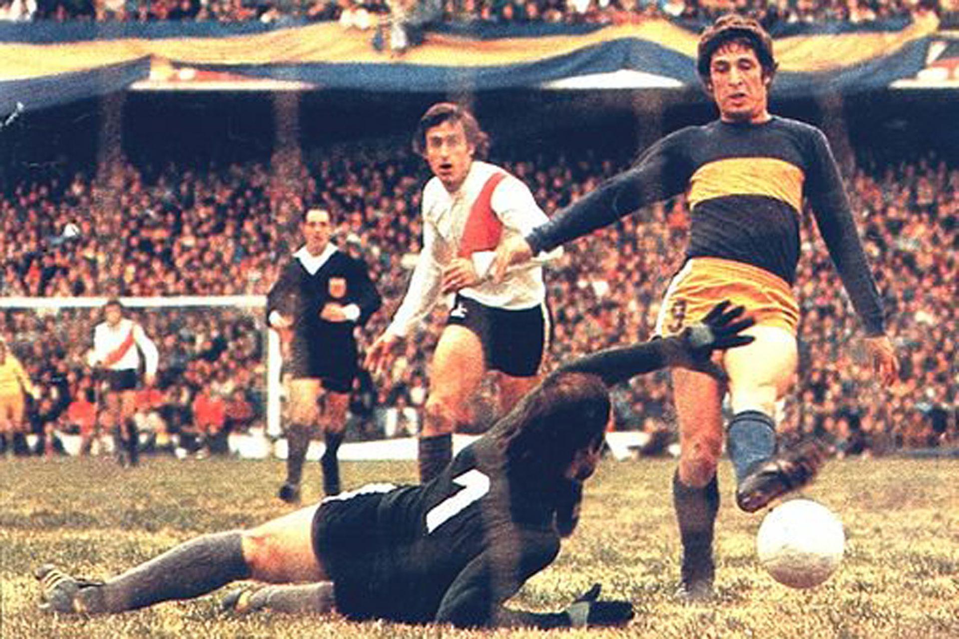 Histórico debut de Carlos García Cambón en Boca: 4 goles a River