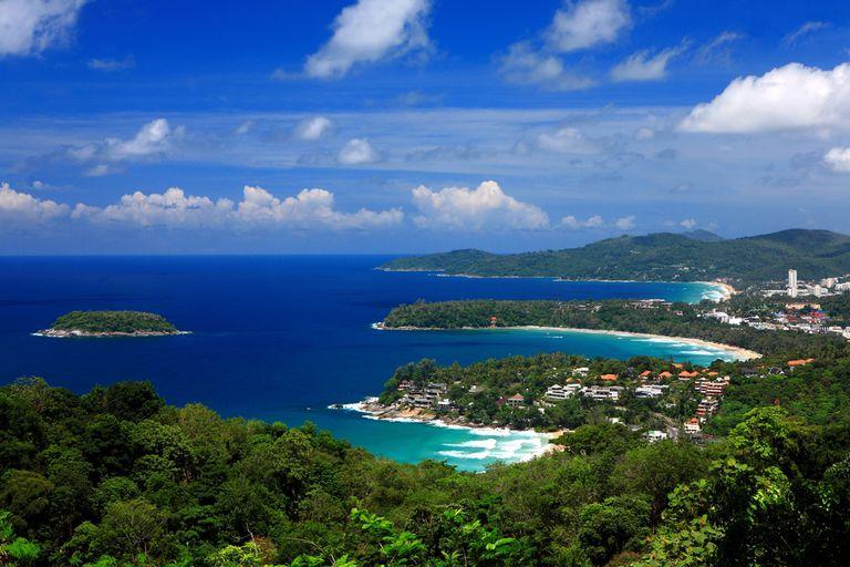 A partir de julio la isla tailandesa de Phuket permitirá el ingreso de viajeros ya inmunizados con las dos dosis sin necesidad de hacer cuarentena