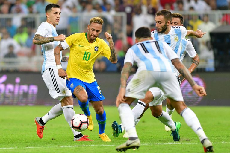 Peor que perder con Brasil es demorar las bases de una nueva era en la selección