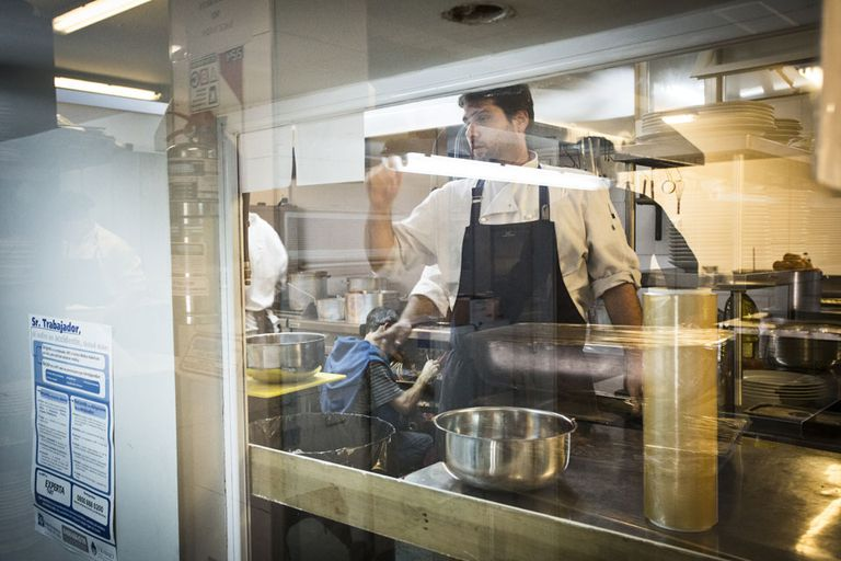 Los días con eventos, la cocina puede llegar a alimentar a más de 1.000 personas.