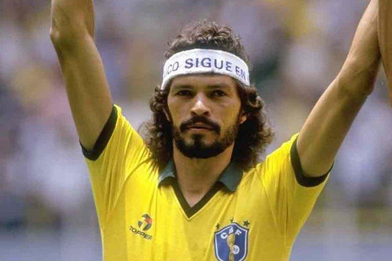 Sócrates, durante el Mundial ´82, un símbolo rebelde de aquel inolvidable seleccionado