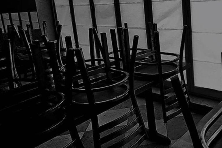 """En las redes. """"No más sillas al revés"""": la campaña de los gastronómicos porteños"""