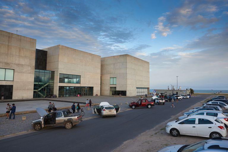32 autos, 32 sonatas: el museo MAR volvió a la actividad con un homenaje a Beethoven