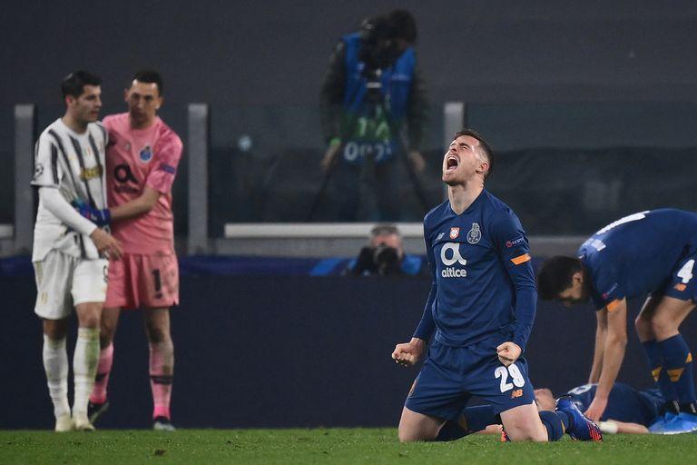 La euforia de Toni Martínez, de Porto, tras eliminar a la Juventus de la Champions League; atrás, Marchesín saluda a Morata