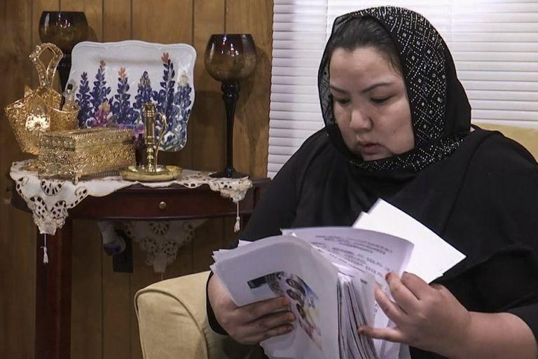 Zumret Dawut, una uigur de la región occidental de Xinjiang, en China, en su nuevo hogar en Woodbridge, Virginia
