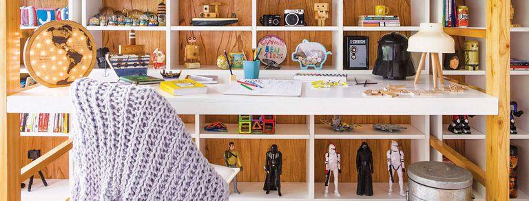 Buen diseño: muebles que potencian el espacio en los cuartos de tres hermanos