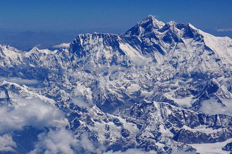 El gobierno de Nepal está en medio de una polémica desde fines de mayo debido al crecimiento del turismo en la montaña