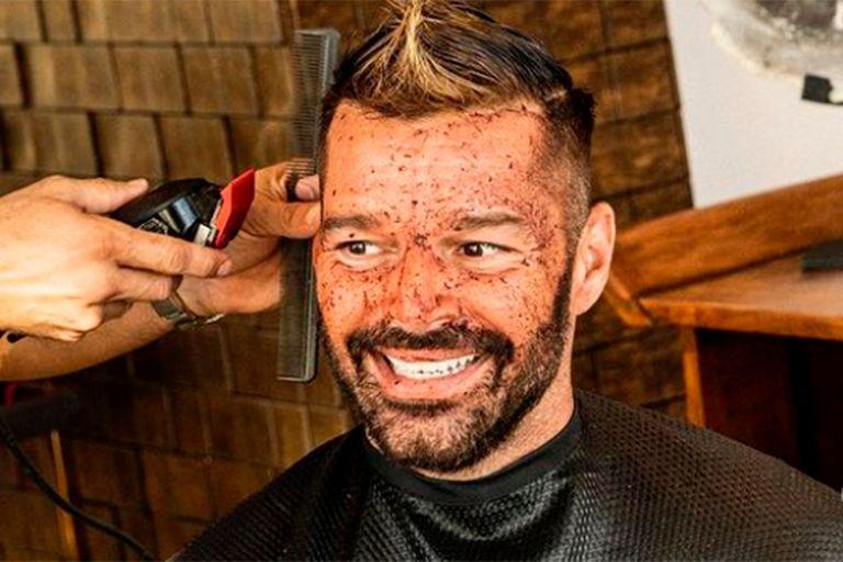 """Ricky Martin y un cambio de look para """"matar el aburrimiento"""""""
