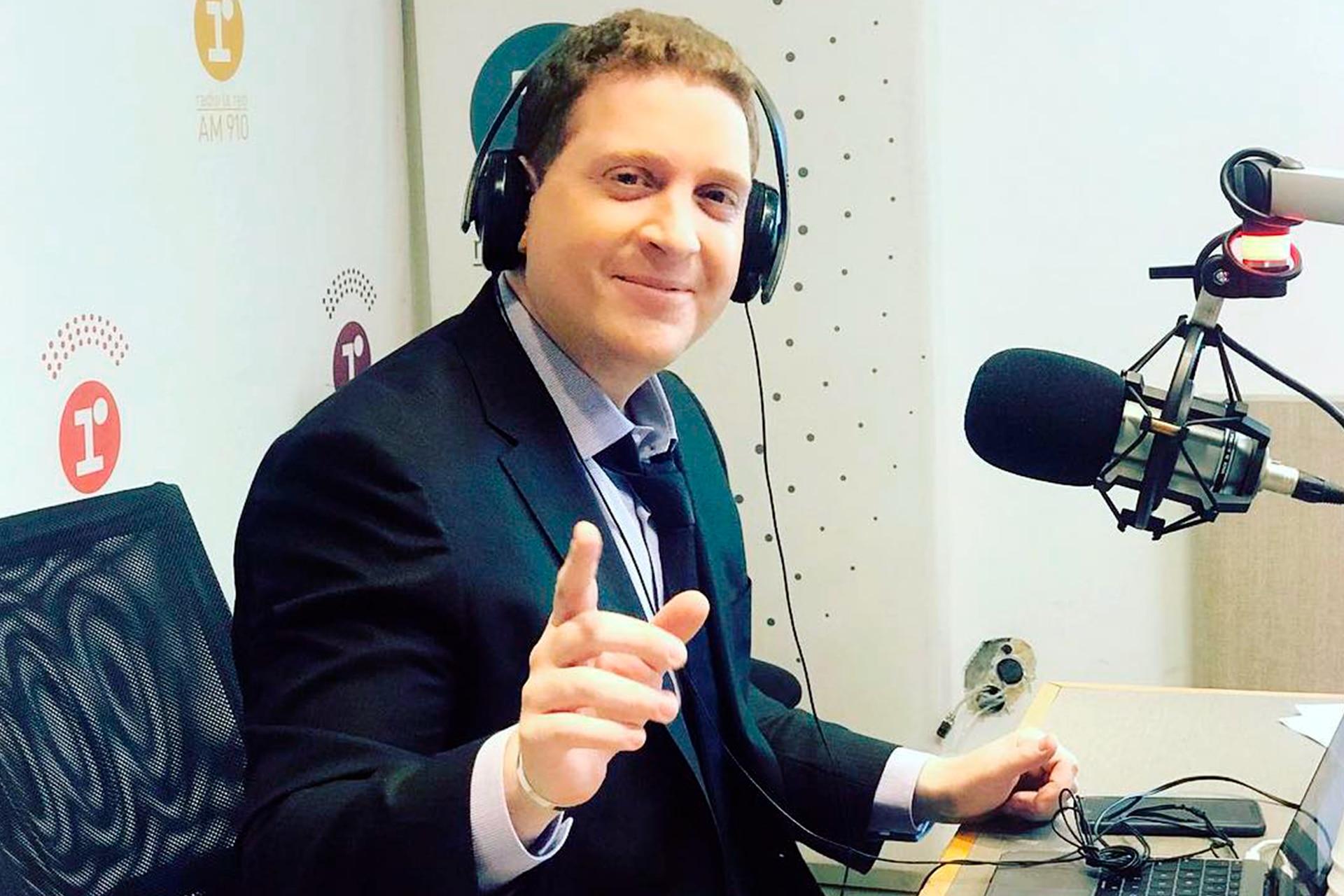 Jonatan Viale, en Rivadavia