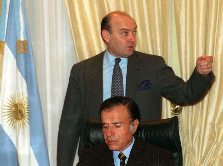 Carlos Menem y su ministro de Economía, Domingo Cavallo, impulsaron un blanqueo en 1992