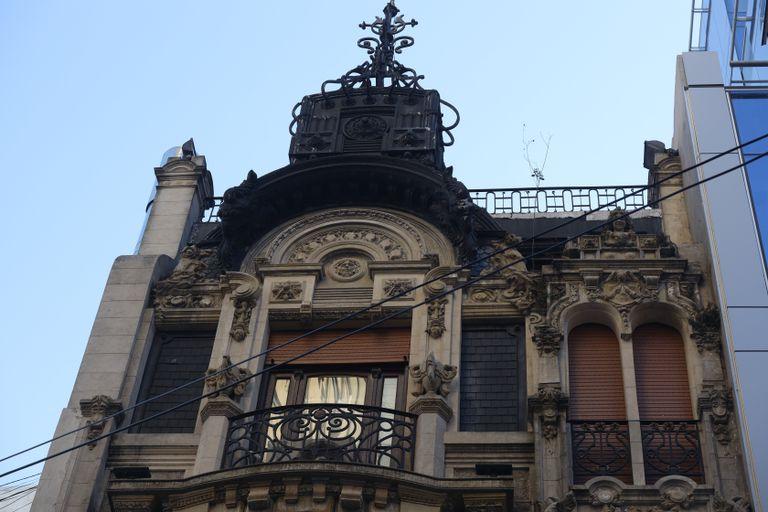 La joya arquitectónica de 1908 en plena city porteña que parece una casa de muñecas
