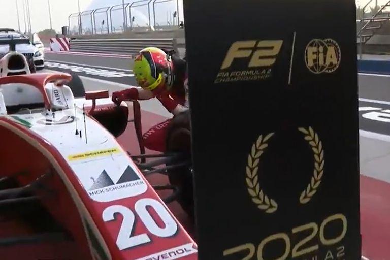 El momento más emocionante: apenas termino la carrera, Mick Schumacher rompió en llanto por el título en la Fórmula 2.