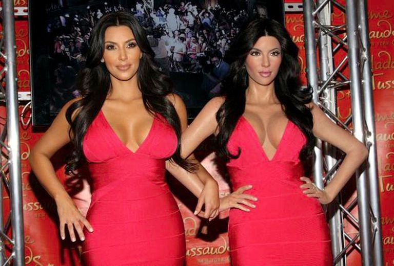 Kim Kardashian y su figura de cera hecha por el museo de Madam Tussaud