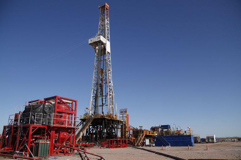 El Gobierno va al choque con las petroleras