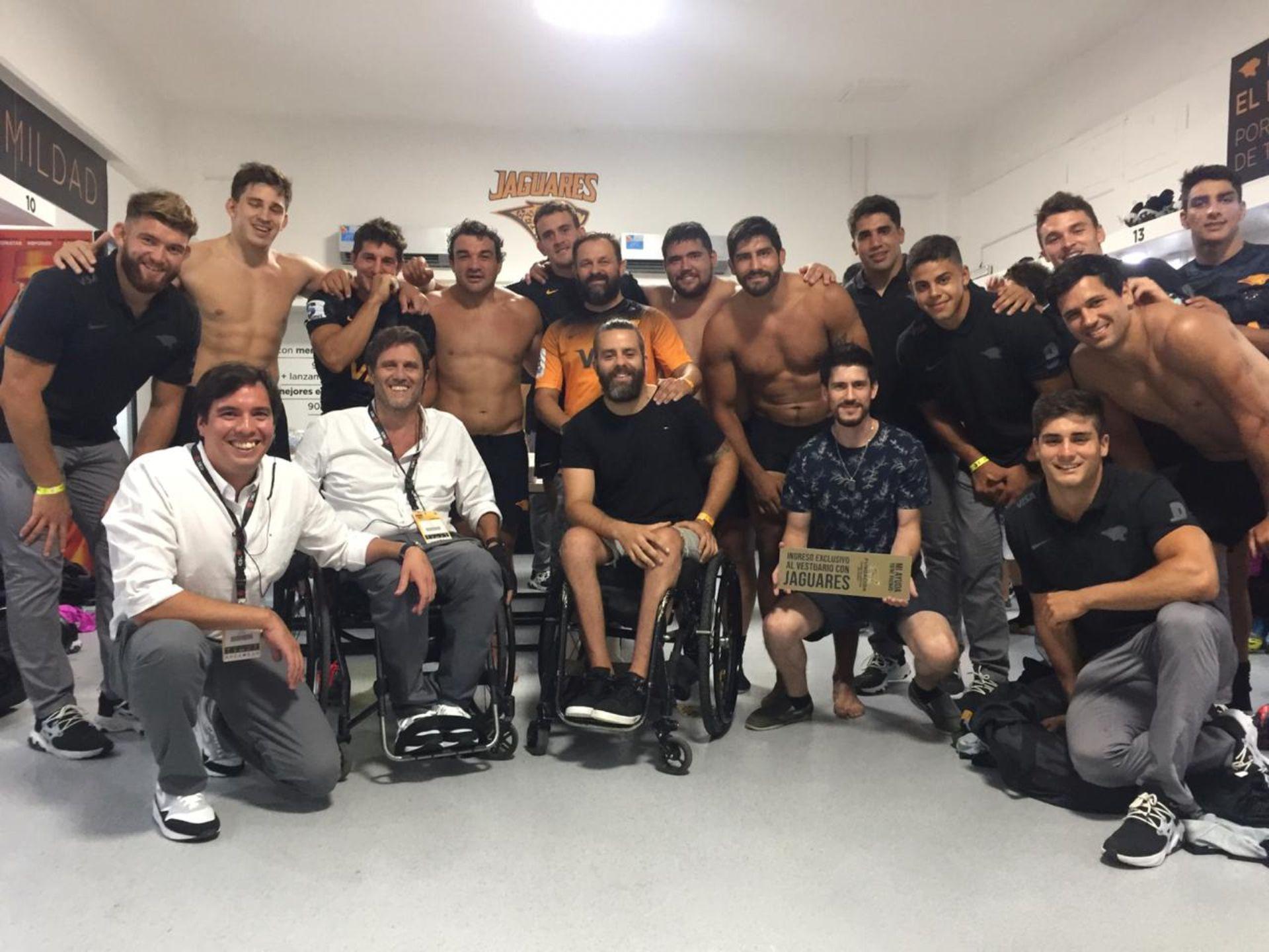 Nacho y otros jugadores lesionados en el estuario de Los Jaguares en marzo de 2020,