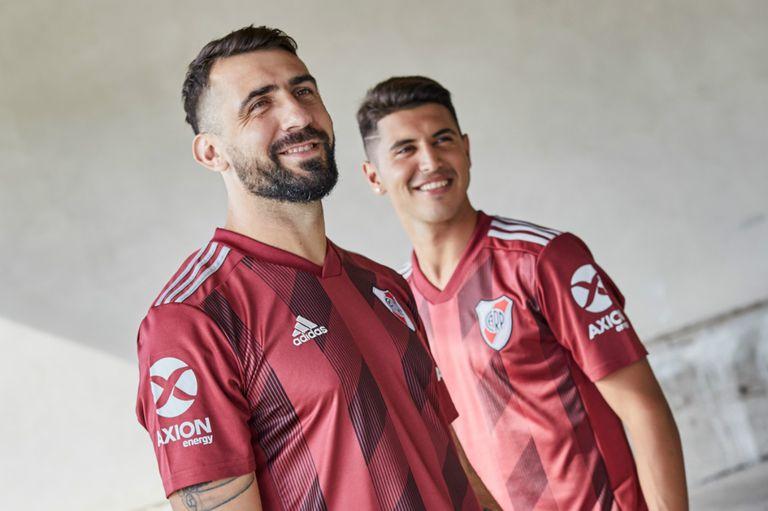 La historia de la nueva camiseta de River: una amistad con Torino de 70 años