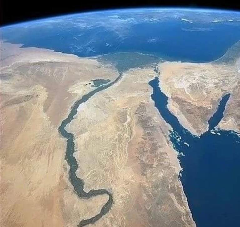 El río Nilo fotografiado desde la Estación Espacial Internacional por el astronauta Chris Hadfield. Fuente: NatGeo.