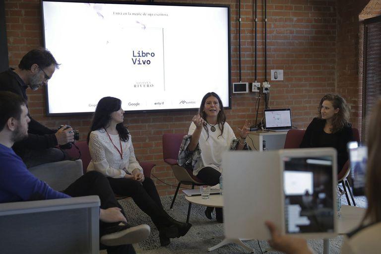 Presentación de Libro Vivo, esta semana, en Puerto Madero; se trata de una nueva acción con la que se podrá entrar a través de un Google Docs en la cocina de un escritor