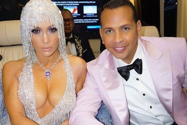 Jennifer Lopez y Alex Rodriguez deberán esperar un tiempo más para celebrar el amor que se tienen