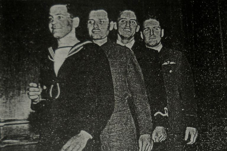 Cooper se sumó a la Royal Navy, la armada británica; otros rugbiers se adhirieron a la Fuerza Aérea.