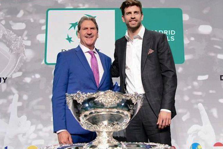 David Haggerty y Gerard Piqué en el sorteo de la nueva versión de la Copa Davis