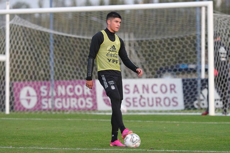 Como Lautaro Martínez no está al 100% desde lo físico, Joaquín Correa tendrá su chance como centrodelantero en Paraguay