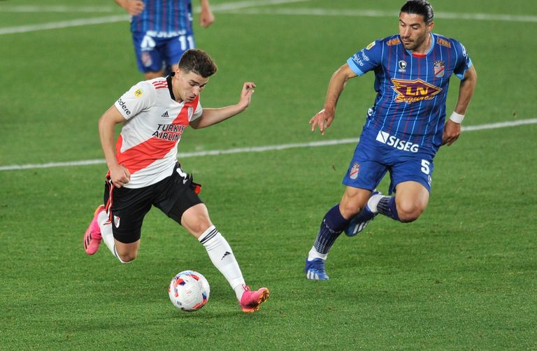 Julián Álvarez realizó una muy buena tarea ante Arsenal