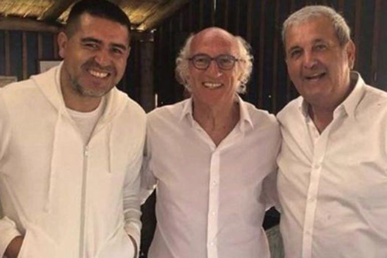 """Los """"140"""" de Carlos Bianchi y Margarita: todos de blanco en una fiesta emotiva"""
