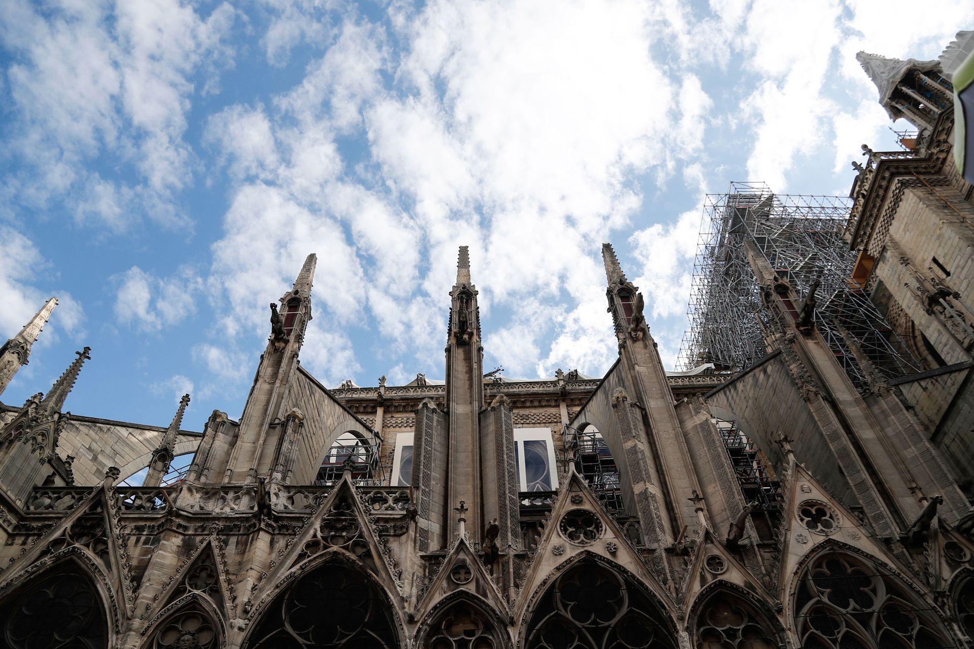 Una vista del exterior de la catedral de Notre Dame