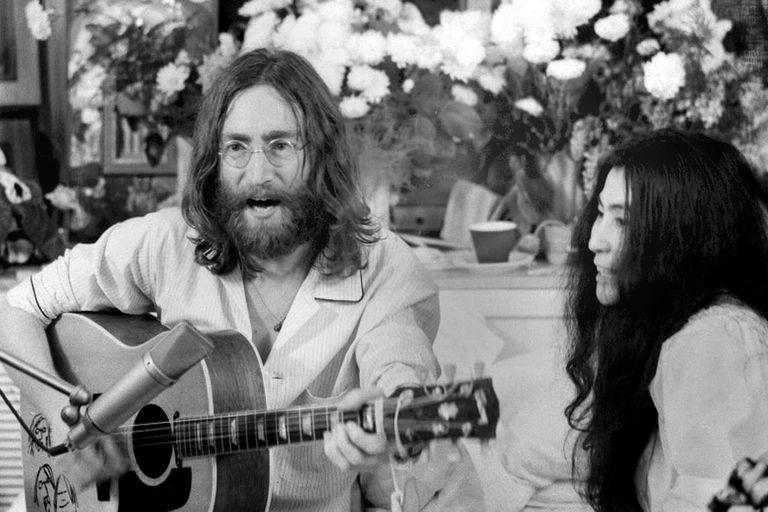 "La historia de ""Give Peace a Chance"", el himno pacifista de John Lennon"
