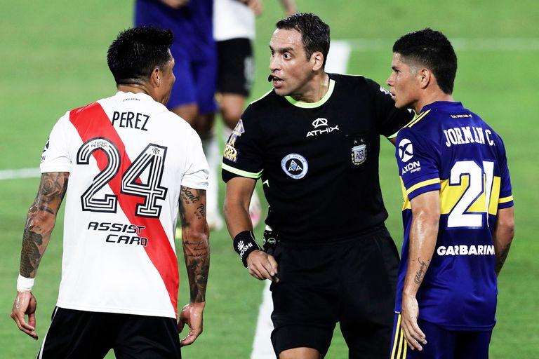 Cómo les fue a River y a Boca con Fernando Rapallini como árbitro