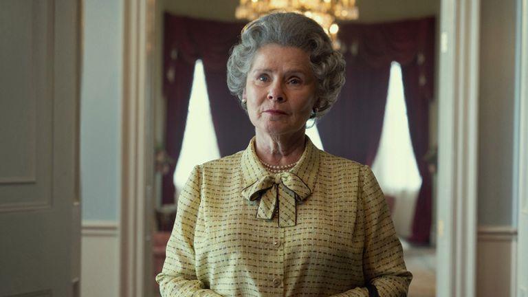 Revelan la primera foto de Imelda Staunton como la reina Isabel II