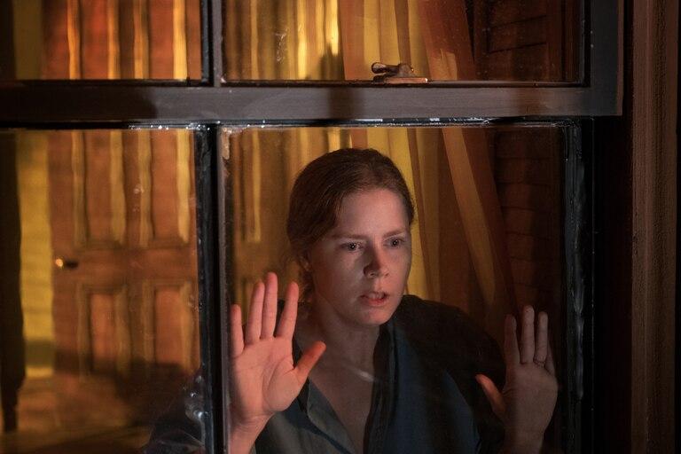 La mujer en la ventana: qué es la agorafobia, el trastorno que retrata la película de Netflix - LA NACION
