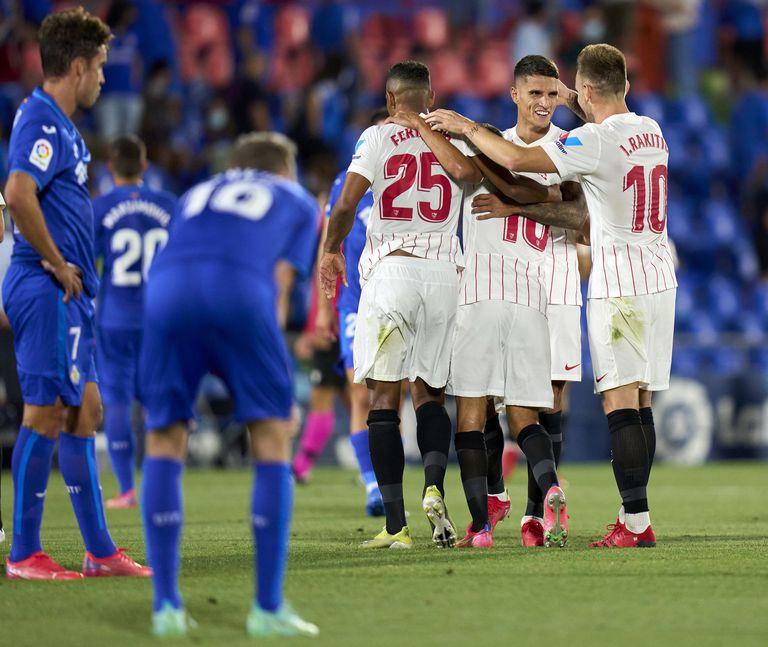 Lamela celebra la victoria tras el partido de La Liga Santander entre Getafe CF y Sevilla FC. A fuerza de goles, el argentino hace oír su apellido