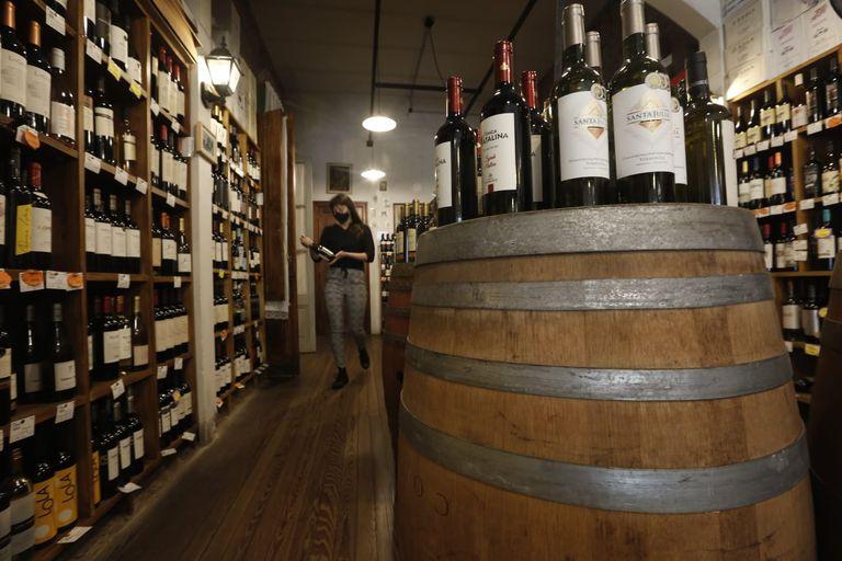 El barrio de Villa Devoto podrá desarrollar el Distrito del Vino para darle impulso a la actividad con vinotecas, cavas, restaurantes, centros de formación y otros espacios