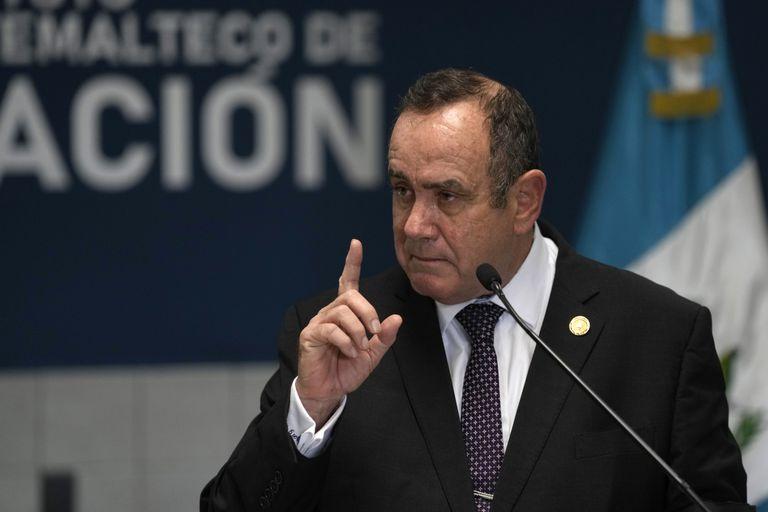 El presidente guatemalteco Alejandro Giammattei, en el ojo de la tormenta por las denuncias de corrupción