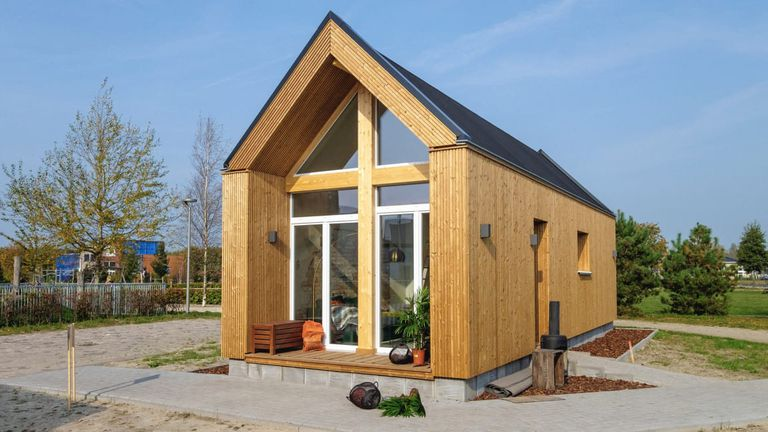 Una startup construye casas en los patios traseros