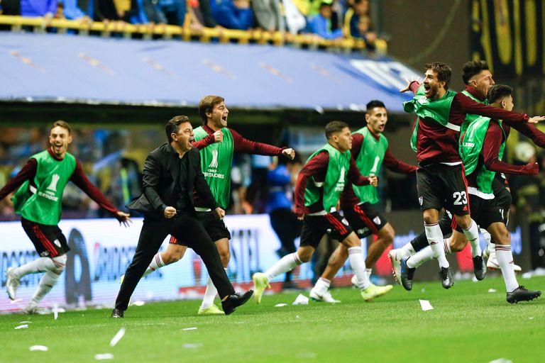 El festejo de Gallardo al final del partido