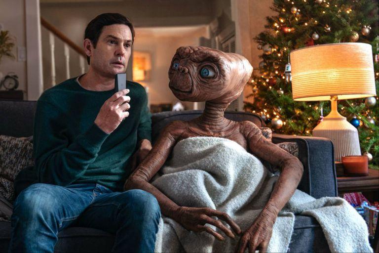 Henry Thomas y E.T., en una secuencia del corto publicitario basado en los personajes de Spielberg