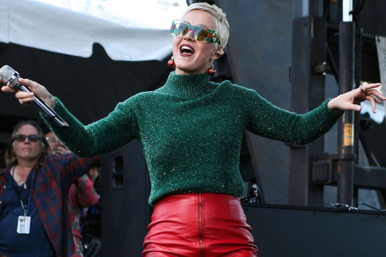 La cantante fue parte de un show solidario para recaudar fondos para las víctimas de los incendios en California