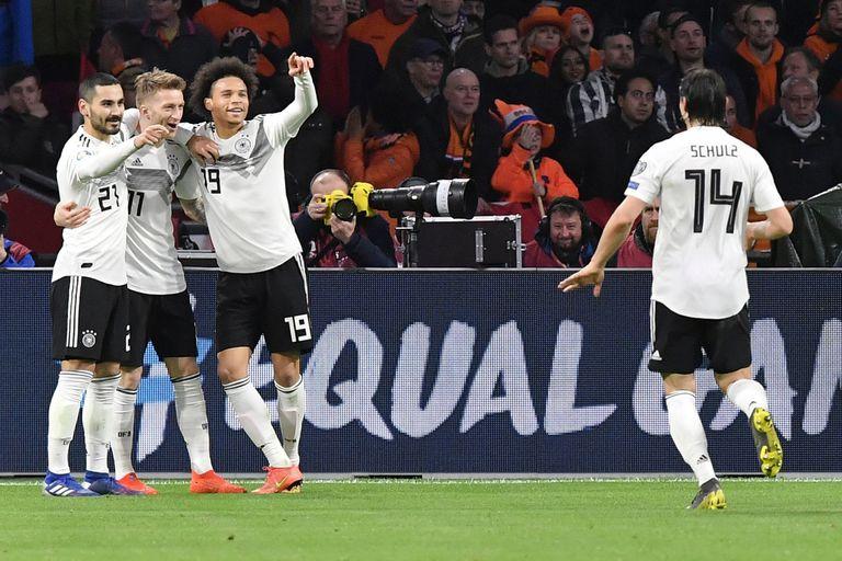 La nueva Alemania de Low derrotó a Holanda en su debut en las eliminatorias