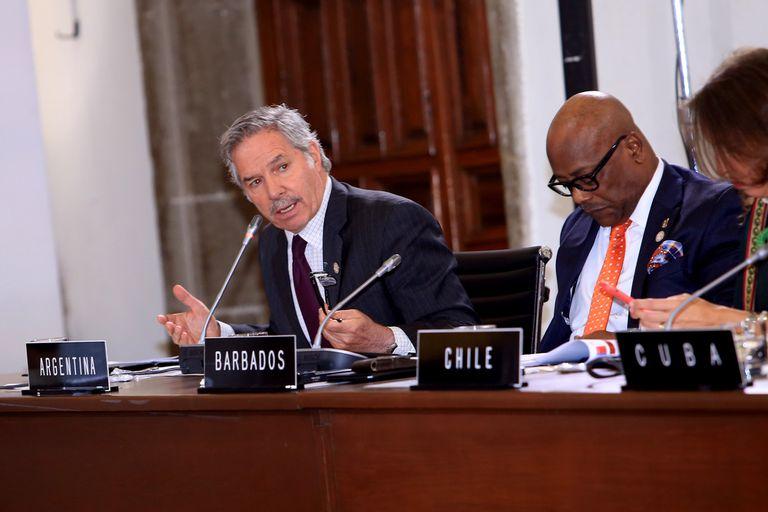 La crisis que enfrenta Felipe Solá exhibe las diferencias internas dentro del Gobierno
