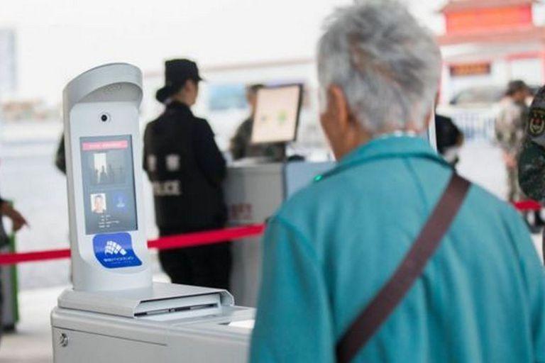 Hay una oposición cada vez mayor contra la adopción generalizada por parte de China de la tecnología de reconocimiento facial