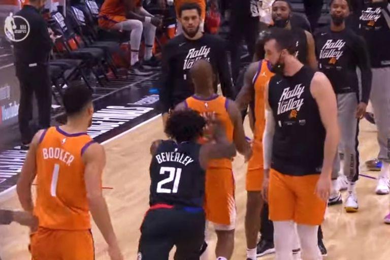 Chris Paul la rompió, llevó a Phoenix Suns a la gran final... y sufrió una insólita agresión