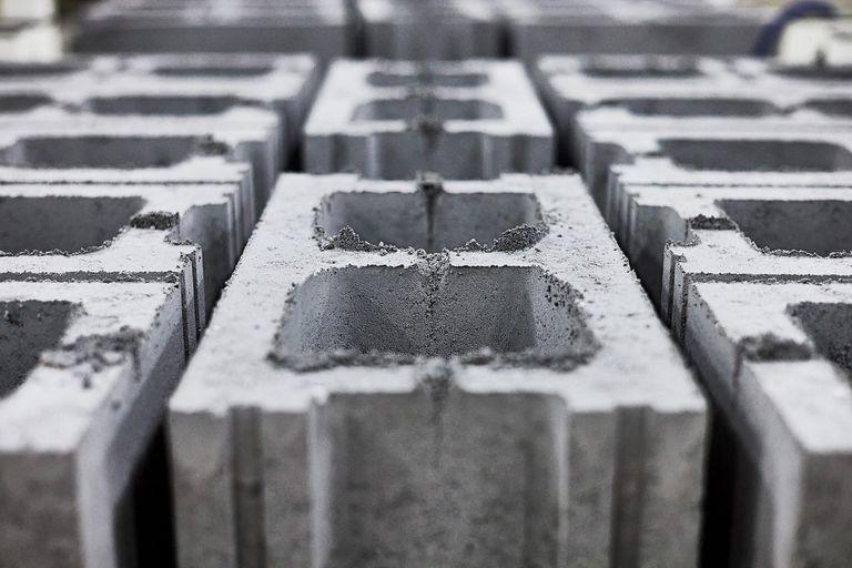 CarbiCrete, es un hormigón canadiense que al fabricarse captura y elimina el carbono de la emisiones industriales